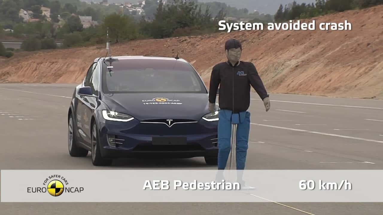 Tesla Model X Çarpışma Testi - Euro NCAP